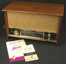 ZENITH Model K731 Chassis 7K07 AM / FM 1964 Vintage Tabletop Receiver w/ Manual