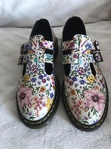 SUPER RARE Dr Martens Wanderlust 8065 Mary Jane Shoes - Worn Twice-As New! Sz. 8