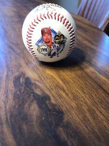 1998 MARK McGWIRE Record Breaker FOTOBALL MLB Commemorative Ball