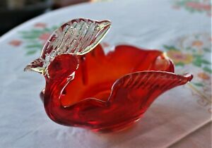 LOVELY BIRD OF PARADISE RED & CLEAR ART GLASS MURANO STYLE BOWL