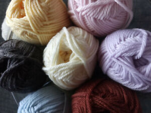 Patons' Dreamtime 8 Ply 100% Merino Wool Baby Yarn Pure NEW Wool