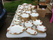 ROYAL ALBERT OLD COUNTRY ROSES DINNER SERVICE +
