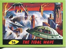 Mars Attacks Heritage Green Parallel Base Card #26    The Tidal Wave
