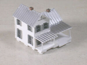 Z Scale 2 Story White House with front porch and silver tin roof