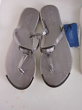 New $28.00 SIMPLY VERA - VERA WANG Silver Sandals  -  Size: L 9-10