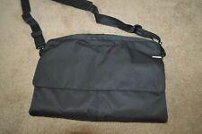 INCASE laptop Black bag Messenger Bag sleeve with strap & pockets PADDED