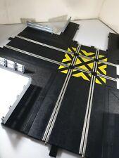 Scalextric Sport Track C8210 90 ° de ángulo de cruce de las fronteras con barreras &
