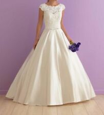 Lace Boat Neck Satin Ball Gown/Duchess Wedding Dresses