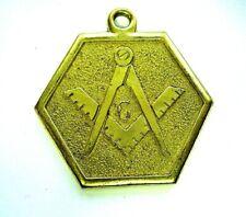 médaille jeton G Grand Loge équerre compas theme maconique couleur or en laiton
