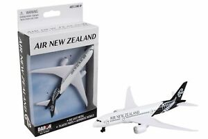 Daron Air New Zealand Die-cast Metal Collectible Single Plane Vehicle