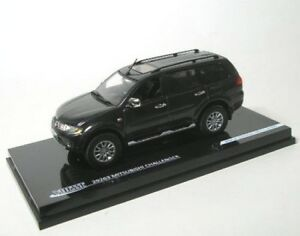 Mitsubishi Challenger (Gray) 2010