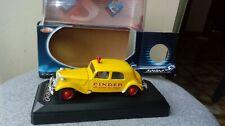 miniature 1/43e Citroen Traction 15 cv PINDER Solido boite cristal