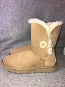 UGG Bailey Button Chestnut Boots Uk Size 6.5