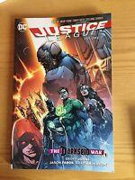 COMICS JUSTICE LEAGUE TPB VOLUME 7 Superman Wonder Woman Batman Lex Luthor