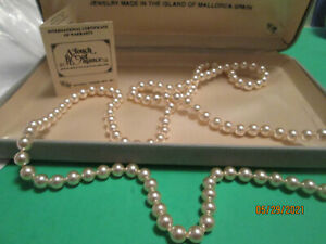 Vintage Touch of Romance Mallorca Spain single strand cultured pearls NO metal