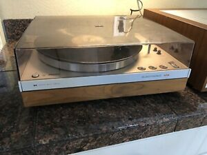 PHILIPS GA 312 Belt Drive Turntable-Auto Lift/Stop- SHURE V15 IV  Works Perfect