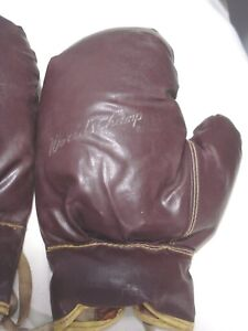 Vintage...Pair...Of....Olympia....World..Champs...Adult..Boxing...Gloves