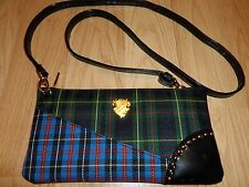 MAC SHE'S GOT IT ALL APPLY, DEFINE & LINE BRUSH COLL. PLAID BAG A TARTAN TALE