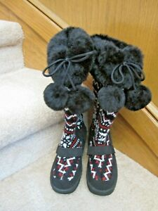 Women's Size 5.5 Winter Boots Black/Red Sweater Knit Material Tassel Fur-Lined