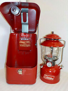 VINTAGE RED COLEMAN 200A LANTERN 2/73 W/RED METAL GUILLOTINE CASE FUNNEL MANTLES