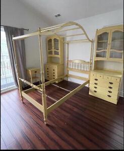 Ethan Alllen Daffodil Bedroom Set Twin Canopy Dresser Vanity Chair Desk