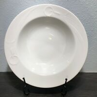 Mikasa White Classic Flair Serving Vegetable Bowl 10 1/4'' K1991 Calla Lilly