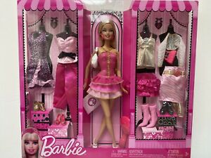 BARBIE - RARE BARBIE DOLL & FASHIONS GIFTSET with 5 OUTFITS - RARE & EXCLUSIVE