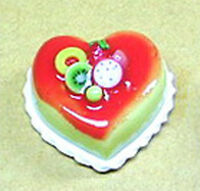 1:12 Heart Cake With Strawberry Icing Dolls House Miniature Food Accessory NC11