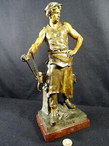 sculpture forgeron travailleur du FER par E PICAULT fin XIXéme régule