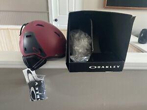 Oakley mod 3 Snowboard/ski Helmet Matte Prizm Size Medium Brand New Open Box