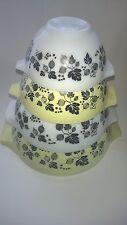 Vintage Pyrex Yellow White Gooseberry Cinderella Nesting Mixing Bowls 4 Pc Set'