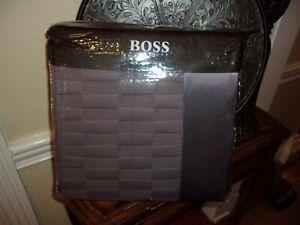NIP Hugo Boss BOSS Elegante Plum Quilted Queen Coverlet