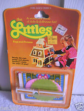 #7657 NRFC Vintage Mattel The Littles Rugs & Pictures