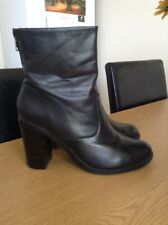 womens Steve Madden Sanjose leather ankle boots size 39 black good condition
