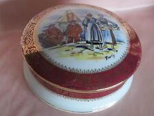 Bonbonnière boite bijoux porcelaine Limoges décor scène Bretonne signée