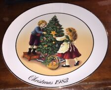 1982 Avon Christmas Collector Plate - Porcelain 22k Gold Trim