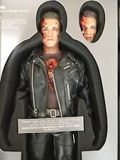 HOT TOYS TERMINATOR 2 T800 BATTLE DAMAGED VERSION DX13 SIDESHOW EXCLUSIVE Ed