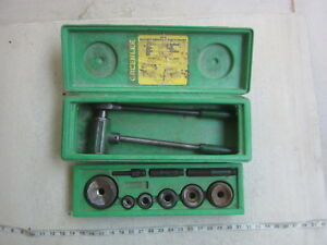 """Greenlee 1804 ½"""" to 2"""" 1/2"""" to 2"""" Ratchet Knockout Punch Diver, Used"""