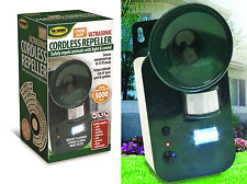 Ultrasonic Repeller w STROBE LIGHT Cordless Safely Repel Various Animal 5000sqft