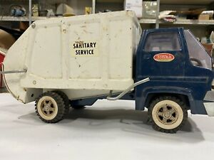 "Vintage Tonka Sanitary Service Sanitation Garbage Truck No. 2690 1960's 15.5""."
