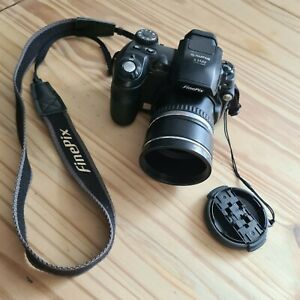 Fujifilm FinePix S Series S5500 4.0MP Black Digital Camera Zoom Lens Camera Only