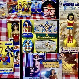 WONDER WOMAN ASSORTED LOT, METAL DOMED LUNCH BOX, FIGURES, TUMBLERS, COMICS