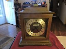 Vintage Seth Thomas fine shelf/mantel Quartzmatic clock