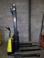 2200 LB ECONOMY ELECTRIC STACKER PALLET JACK