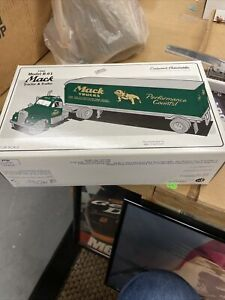 FIRST GEAR 1960 Model B-61 MACK TRUCK PERFORMANCE COUNTS! TRACTOR TRAILER