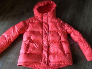 Lululemon Wunder Puff Jacket size 4 Flare