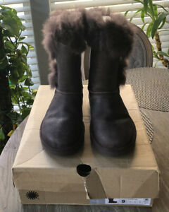 Ugg Deena Stout Boots Size 9 Treadlite By Ugg Womens Brown New