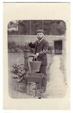 England GÄRTNER AN DER WASSERPUMPE Berufe * Foto-AK um 1920
