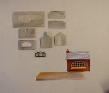 P&D Marsh N Gauge N Scale B492 Weighbridge & office kit requires painting