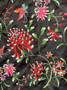 ANTIQUE CHINESE BLACK HANDMADE EMBROIDERED FLORAL PIANO SHAWL WRAP EXCELLENT